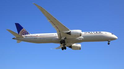 N26960 - Boeing 787-9 Dreamliner - United Airlines