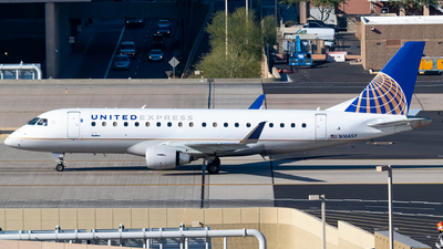 A picture of N166SY - Embraer E175LR - United Airlines - © Ricky Teteris
