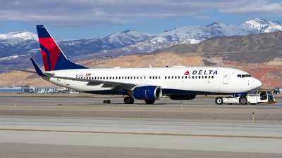 A picture of N3751B - Boeing 737832 - Delta Air Lines - © Michael Rodeback
