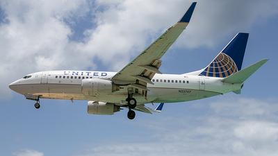 N23707 - Boeing 737-724 - United Airlines