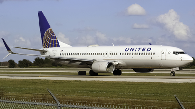 N35204 - Boeing 737-824 - United Airlines