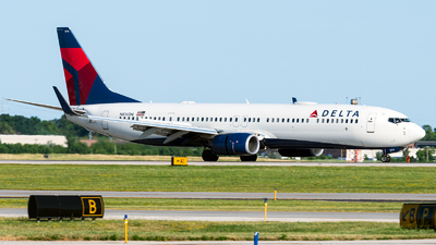 A picture of N816DN - Boeing 737932(ER) - Delta Air Lines - © Benji Gordon