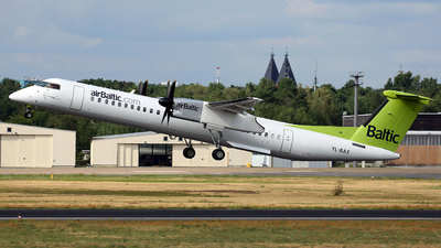 YL-BAX - Bombardier Dash 8-Q402 - Air Baltic
