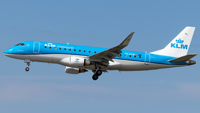 A picture of PHEXW - Embraer E175STD - KLM - © James Dinsdale