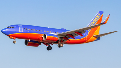 A picture of N760SW - Boeing 7377H4 - Southwest Airlines - © Issac