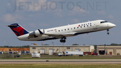 N8918B - Bombardier CRJ-440 - Delta Connection (Endeavor Air)