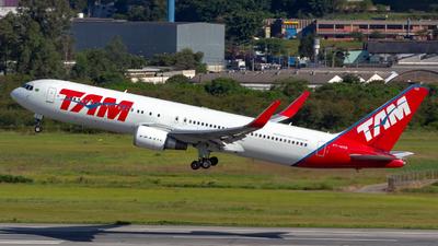 PT-MOB - Boeing 767-316(ER) - TAM Linhas Aéreas