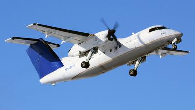 A picture of N365PH - De Havilland Canada Dash 8200 - [526] - © Scott Pindera