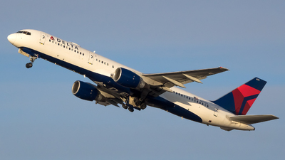 N674DL - Boeing 757-232 - Delta Air Lines