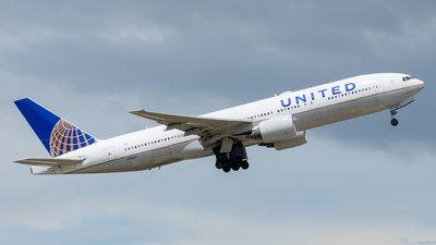 A picture of N781UA - Boeing 777222 - United Airlines - © golfbravo.aviation