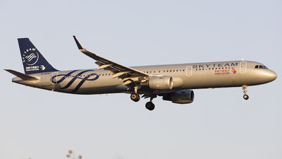 B-8576 - Airbus A321-211 - China Eastern Airlines