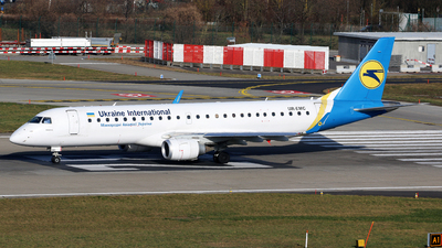 UR-EMC - Embraer 190-100STD - Ukraine International Airlines