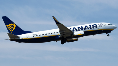 A picture of 9HQAB - Boeing 7378AS - Ryanair - © Francesco Cavallin