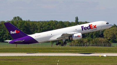 A picture of N920FD - Boeing 75723A(SF) - FedEx - © Jan Eisenkolb