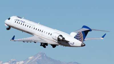 A picture of N790SK - Mitsubishi CRJ701ER - United Airlines - © Yixin Chen