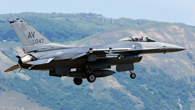 89-2047 - General Dynamics F-16CG Fighting Falcon - United States - US Air Force (USAF)