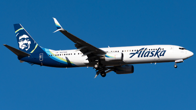 A picture of N471AS - Boeing 737990(ER) - Alaska Airlines - © Michael Place
