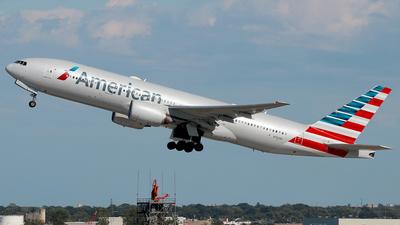 N762AN - Boeing 777-223(ER) - American Airlines