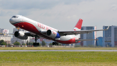 RA-64020 - Tupolev Tu-204-100 - Red Wings