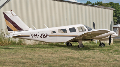 VH-JBP - Piper PA-34-200T Seneca II - Private