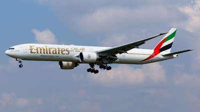 A picture of A6EPH - Boeing 77731H(ER) - Emirates - © Simi