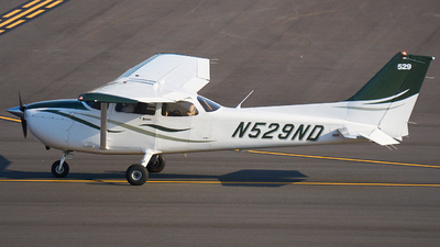 N529ND - Cessna 172S Skyhawk SP - University Of North Dakota
