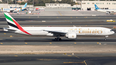 A6-ENB - Boeing 777-31HER - Emirates