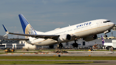 A picture of N12216 - Boeing 737824 - United Airlines - © Moralesroger25