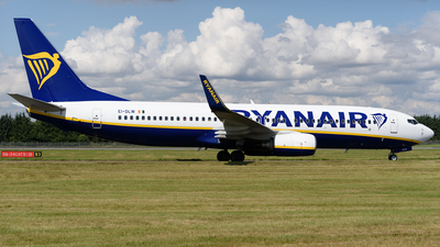 A picture of EIDLW - Boeing 7378AS - Ryanair - © Ian McGregor