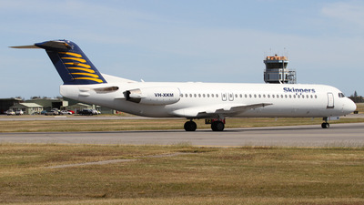 VH-XKM - Fokker 100 - Skippers Aviation
