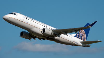A picture of N156SY - Embraer E175LR - United Airlines - © Yan777