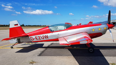 D-EZUW - Extra 300S - Private