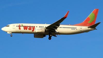 HL8232 - Boeing 737-8K5 - T'Way Air