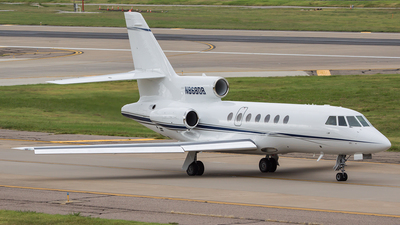 A picture of N868DB - Dassault Falcon 50 - [265] - © Bruce Leibowitz