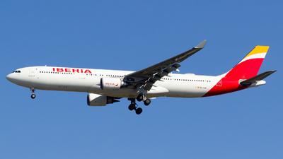 A picture of ECLUB - Airbus A330302 - Iberia - © Alejandro Gutierrez Martin