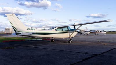 VH-SNE - Cessna TR182 Turbo Skylane RG - Amber Aviation Academy