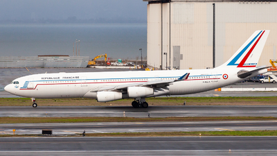 075 - Airbus A340-212 - France - Air Force