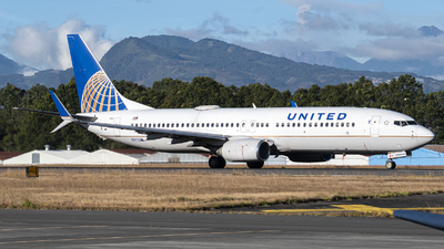 A picture of N37263 - Boeing 737824 - United Airlines - © Juan Manuel Galvez