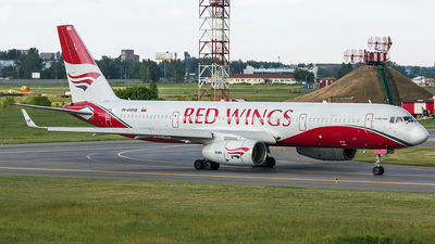 RA-64046 - Tupolev Tu-204-100B - Red Wings