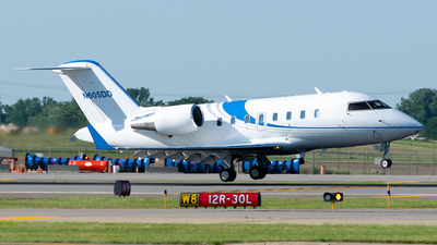A picture of N605DD - Bombardier Challenger 605 - Delta Private Jets - © Steve Rinde