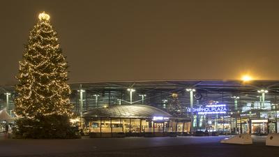 EHAM - Airport - Terminal