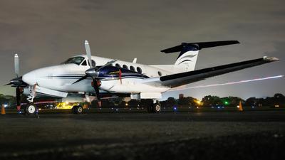 TG-JLG - Beechcraft B300 King Air - Private