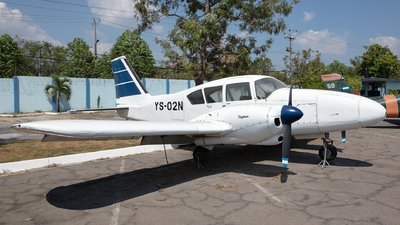 YS-02N - Piper PA-23-250 Aztec - El Salvador - Air Force