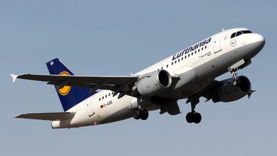 A picture of DAIBB - Airbus A319112 - Lufthansa - © Julian Azeroth