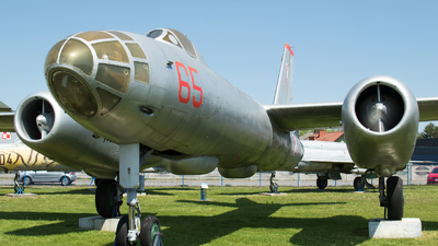65 - Ilyushin IL-28 Beagle - Poland - Air Force
