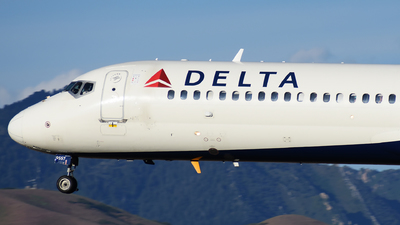 N957AT - Boeing 717-2BD - Delta Air Lines