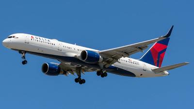 N540US - Boeing 757-251 - Delta Air Lines