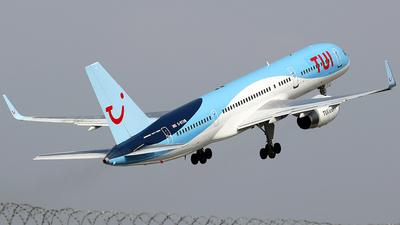 G-BYAW - Boeing 757-204 - TUI