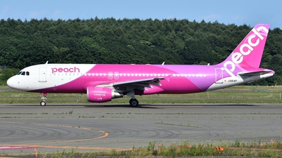 JA814P - Airbus A320-214 - Peach Aviation