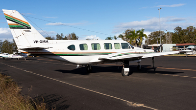 VH-OMM - Piper PA-31-350 Chieftain - Private